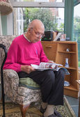 95 years old English man portrait in domestic interior — Stock Photo