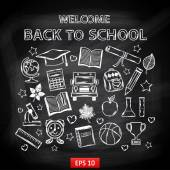 Chalk board Welcome back to school,with thematic elements — Vector de stock