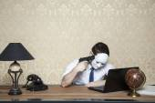 Desperate businessman wants to commit suicide — Stock Photo