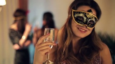 Sexy happy woman in mysterious mask on party — Stock Video