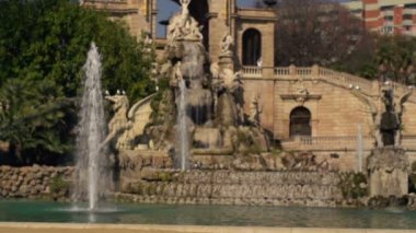 Fountain in Ciutadel park in Barcelona, super slow motion, shot at 240fps — Stok video