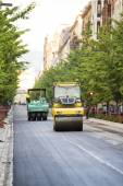 Heavy Vibration roller compactor at asphalt pavement works for r — Stock Photo