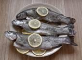 Ryby z cytryny i przypraw — Zdjęcie stockowe