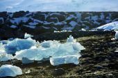 Ice floes at glacier lagoon Jokulsarlon in Iceland — Stock Photo
