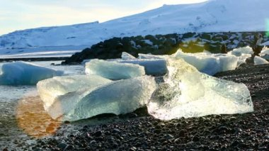 Melting ice floes at the glacier lagoon Jokulsarlon, Iceland — 图库视频影像
