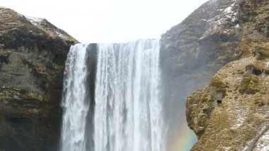Waterfall Seljalandsfoss with rainbow in Iceland — Stock Video
