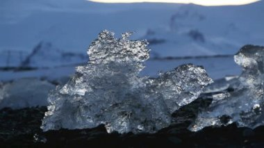 Global warming at a glacier lagoon Jokulsarlon in Iceland — Stock Video