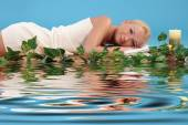 Woman relaxing in a spa  — Stock Photo