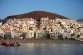 Los Cristianos resort town in Tenerife — Stockfoto