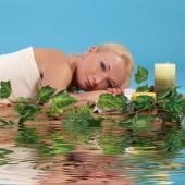 放松 spa 的女人 — 图库照片