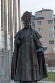 Statue of Pope John XXIII in front the Cathedral of St Joseph , — Stock Photo