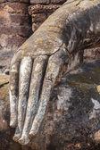 Antika Buddhastatyn i Hand på Sukhothai Park. — Stockfoto