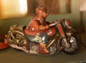 Rider on motobike of ceramics — Stock Photo