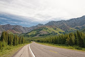 Road Trip in the Highwood Pass — Stock Photo