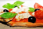 Morceau de pizza italienne — Photo