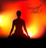Yoga woman silhouette at sunset — 图库矢量图片