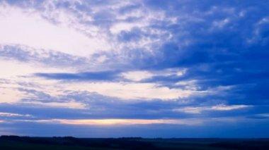 Lindo pôr do sol, lapso de tempo. — Vídeo stock