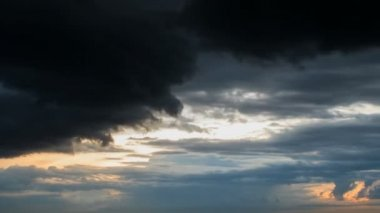 Dramatic sky with stormy clouds. — Stock Video