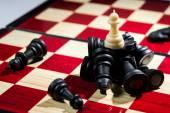 Styrelsen schackspel visar vinnare på vita sidan business conce — Stockfoto