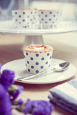 Cupcake and lavender vintage color tone — Stock Photo