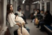 Sad girl in the subway. — Stock Photo