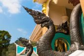 King of Nagas statue, Thai traditional style in Budha — Stock Photo
