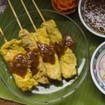 Moo satay, vepřové saté, thajské kuchyně stále život — Stock fotografie #75220755