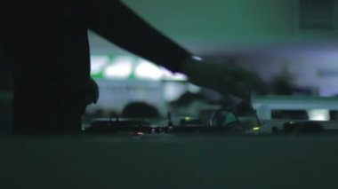 DJ working at turntable — Stock Video