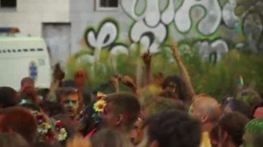 Young happy people dancing at fest — Stock Video