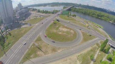 Bridge over river, road junction — Stock Video