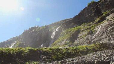 Mountain waterfall — Stock Video