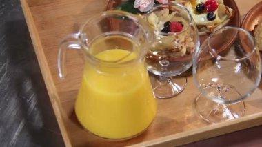 ,Presentation of dessert pancakes — Stock Video