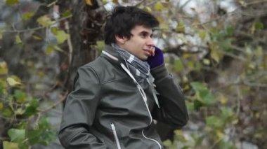 Man making phone call — Stock Video