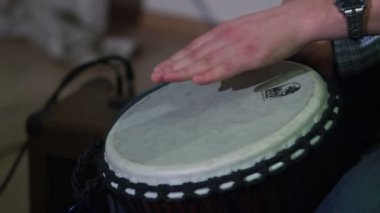 Hands playing drum — Stock Video