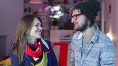 People having conversation — Stock Video
