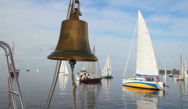 Bell on sailing yacht — Stock Video