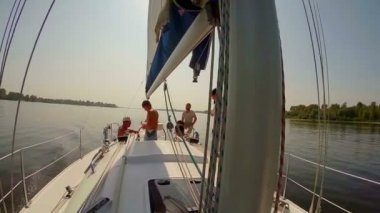People on sailing yacht — Stock Video