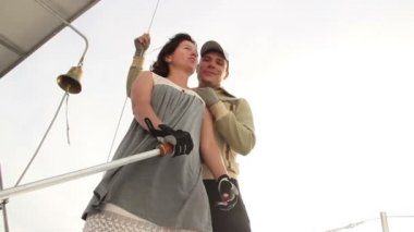 Couple in love on a sailboat — Vídeo stock