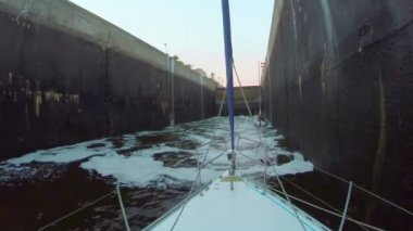 Water canal lock — Stock Video