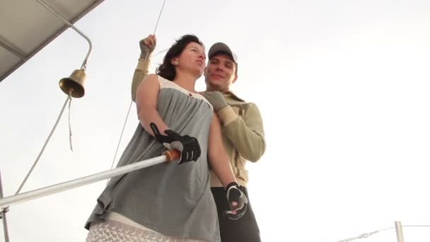 Couple in love on a sailboat — Vidéo
