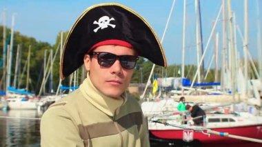 Man wearing pirate hat — Stock Video