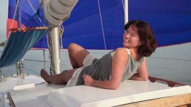 Girl relaxing on yacht — Stock Video