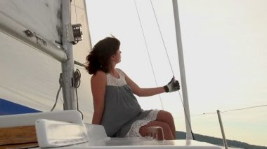 Female enjoying yacht trip — Stock Video
