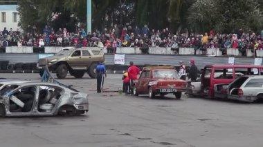 Monster truck drifting — Stock Video