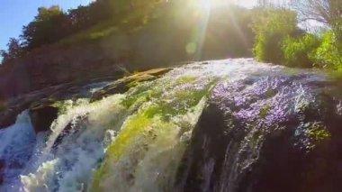 Green turbulent waterfall — Stock Video