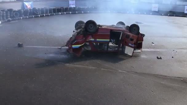 Driving accident at show — Vídeo de stock