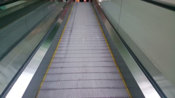 Modern escalator moving up at business, shopping center, airport — Vídeo de stock