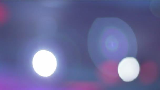 Lights flaring, people clubbing, waving hands, club atmosphere — Vídeo de stock