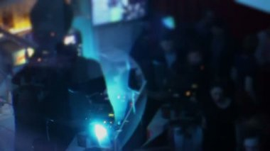 Night club party, guys enjoying deejay set, video art, effects — Stock Video