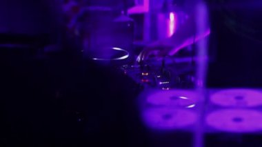 Male disk jockey hands playing tracks, people clapping, dancing — Stock Video
